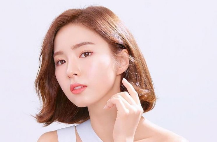 Shin Se Kyung (Tazza: The Hidden Card)  (Instagram/@sjkuksee)