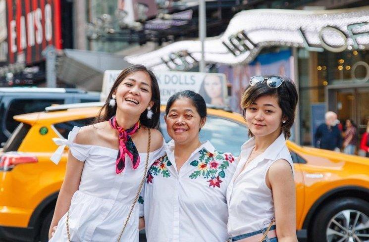 Gracia Indri, Gisela Cindy dan ibunya. (Instagram/@graciaz14)