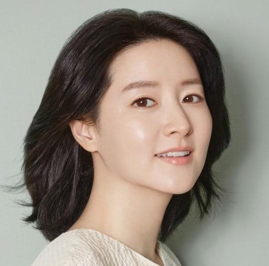 Lee Young Ae (Soompi)