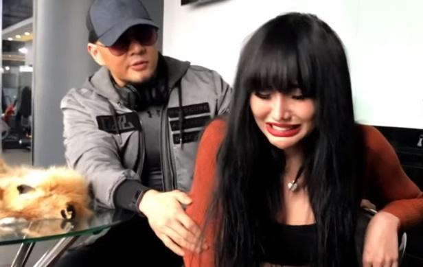 Lucinta Luna labrak Deddy Corbuzier. [capture YouTube]