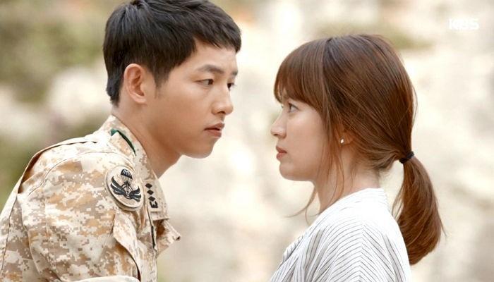 Song Hye Kyo dan Song Joong Ki di Descendants of The Sun (Soompi)