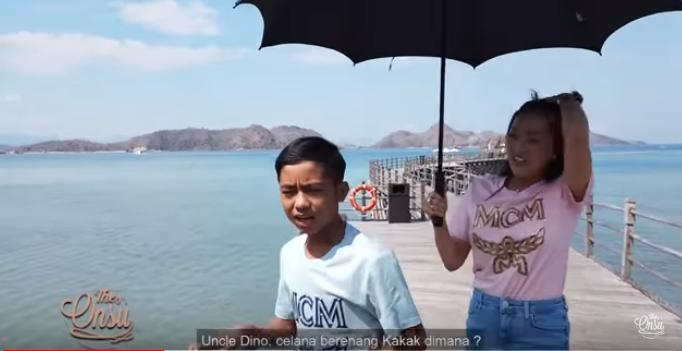 Ruben Bensu sekeluarga di Labuan Bajo (YouTube/The Onsu Family)