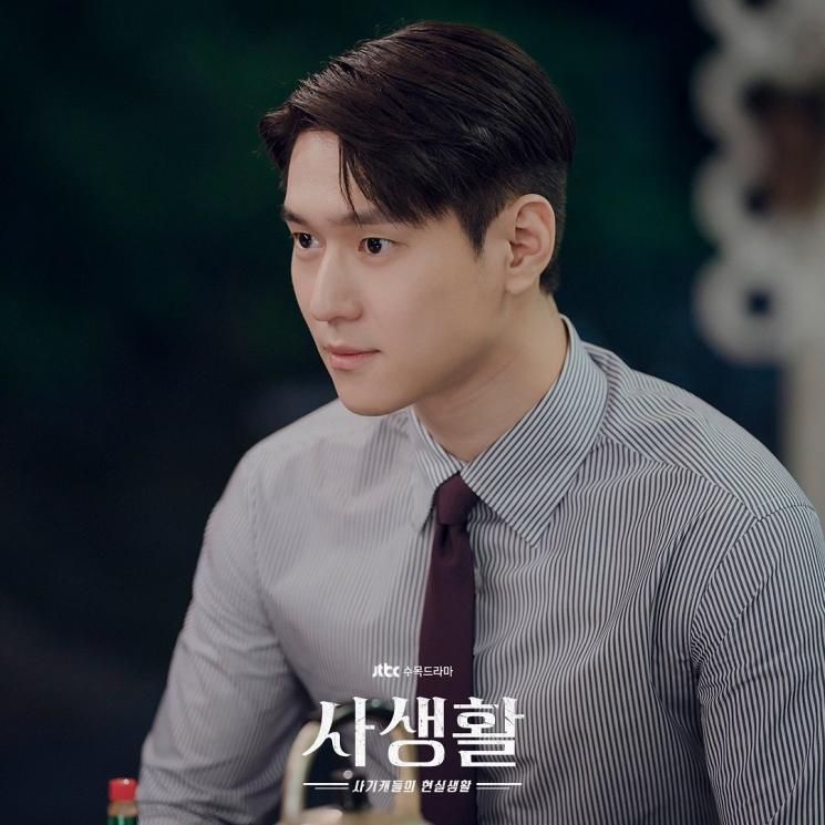 Go Kyung Pyo di Private Lives (Instagram/@jtbcdrama)