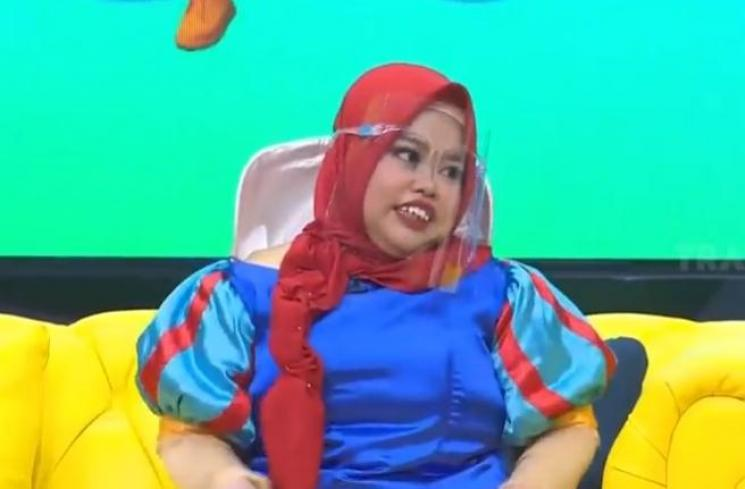 Kekeyi saat hadiri acara talkshow (Youtube.com/Trans7Official)