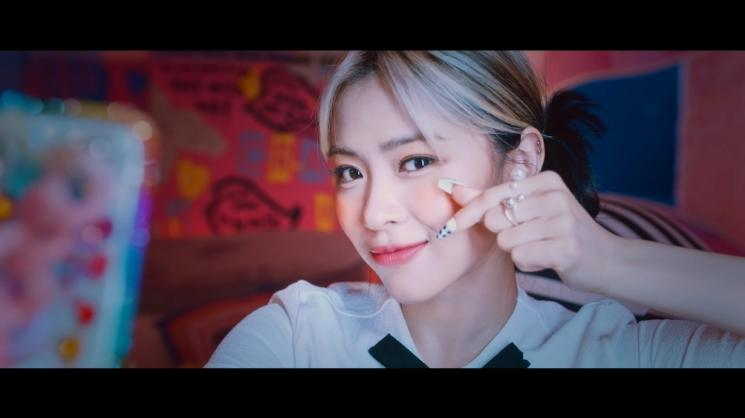 Fakta Crazy in Love ITZY (YouTube/JYP Entertainment)